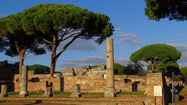 Let´s visit the Ostia Antica