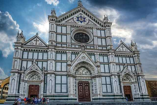 How many days should I stay in Florence and what to visit?